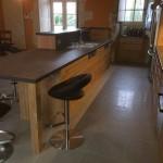 Cuisine en chêne avec plan de travail en céramique-2