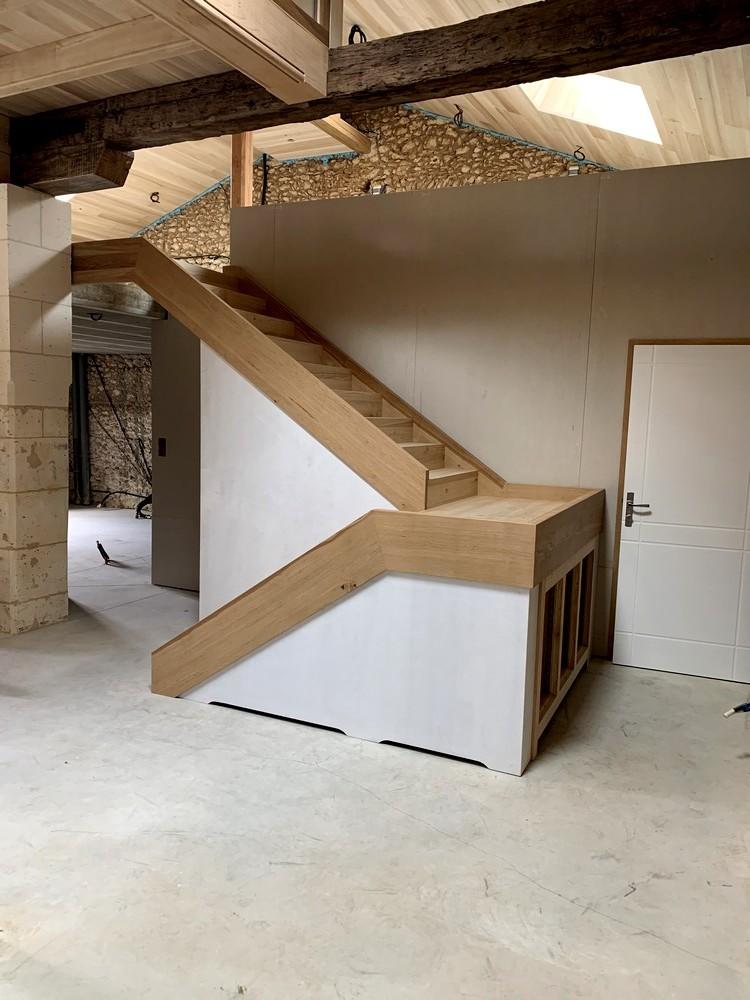 Escalier avec pallier de repos. Garde-corps métallique (4)