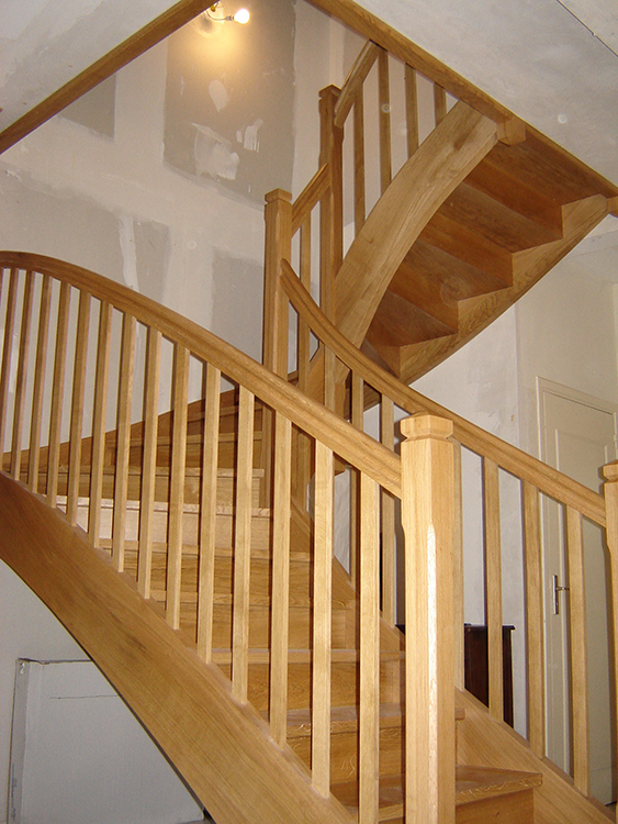 Pin escaliers flin on pinterest for Escalier bois double quart tournant