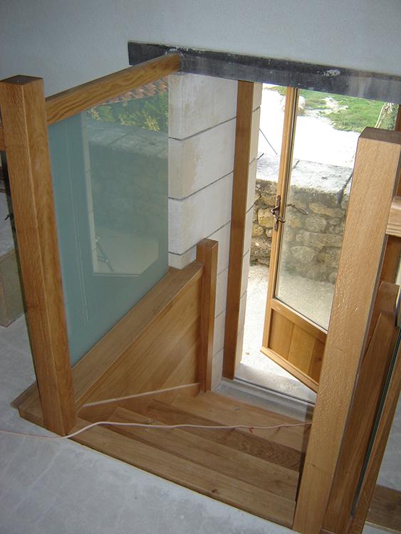 Petit escalier droit - Garde-corps en verre