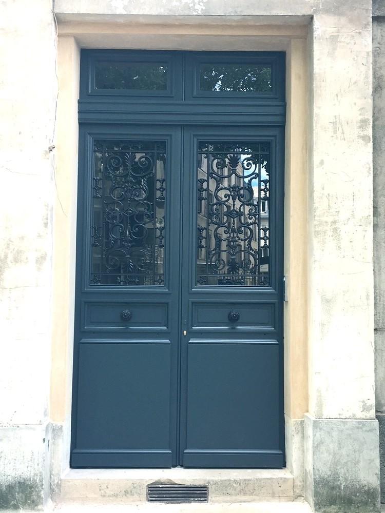 Porte d'entrée d'un hôtel particulier (1)